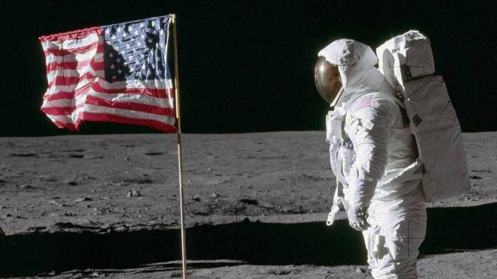 El astronauta 'Buzz' Aldrin camina sobre la Luna durante la misión Apolo 11