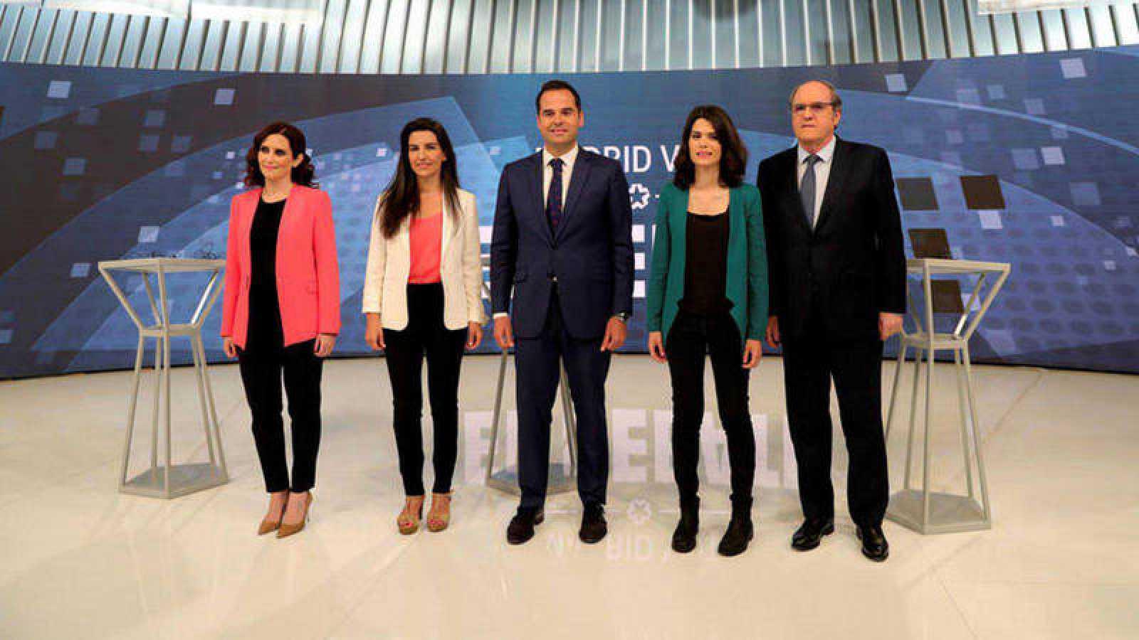 Isabel Aguado (PP), Rocío Monasterio (Vox), Ignacio Aguado (Cs), Isa Serra (Unidas Podemos) y Ángel Gabilondo (PSOE)en el debate de Telemadrid para las elecciones autonómicas