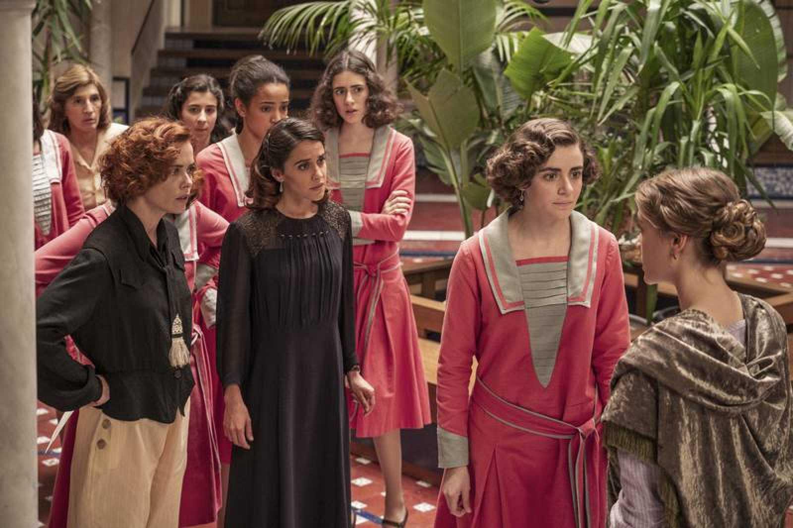 Las chicas se unen para salvar su escuela