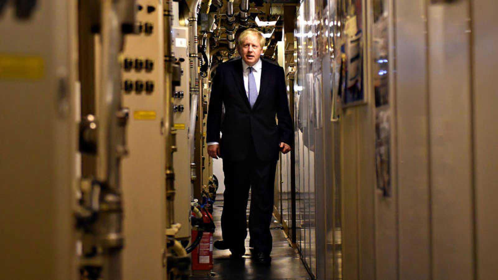 Boris Johnson, durante su visita a un submarino en una base militar de Escocia