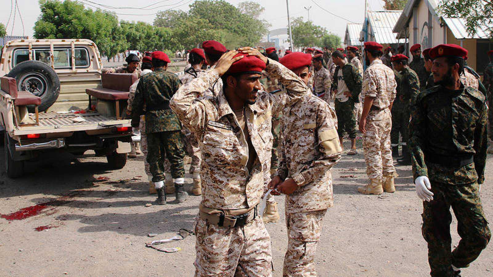 El desfile militar en el puerto de Adén, en Yemen