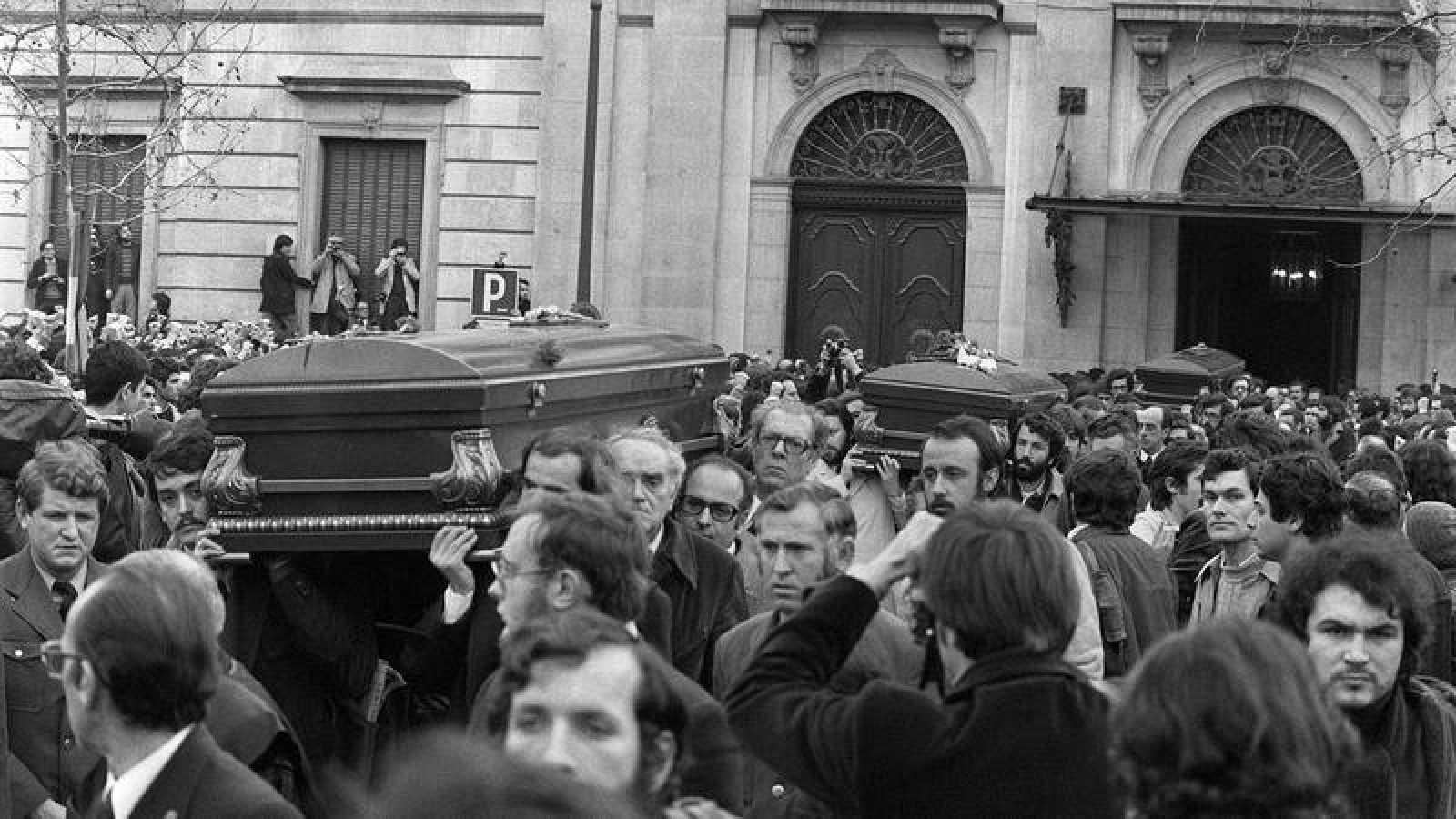 Imagen de archivo del entierro de los abogados de Atocha, asesinados en 1977