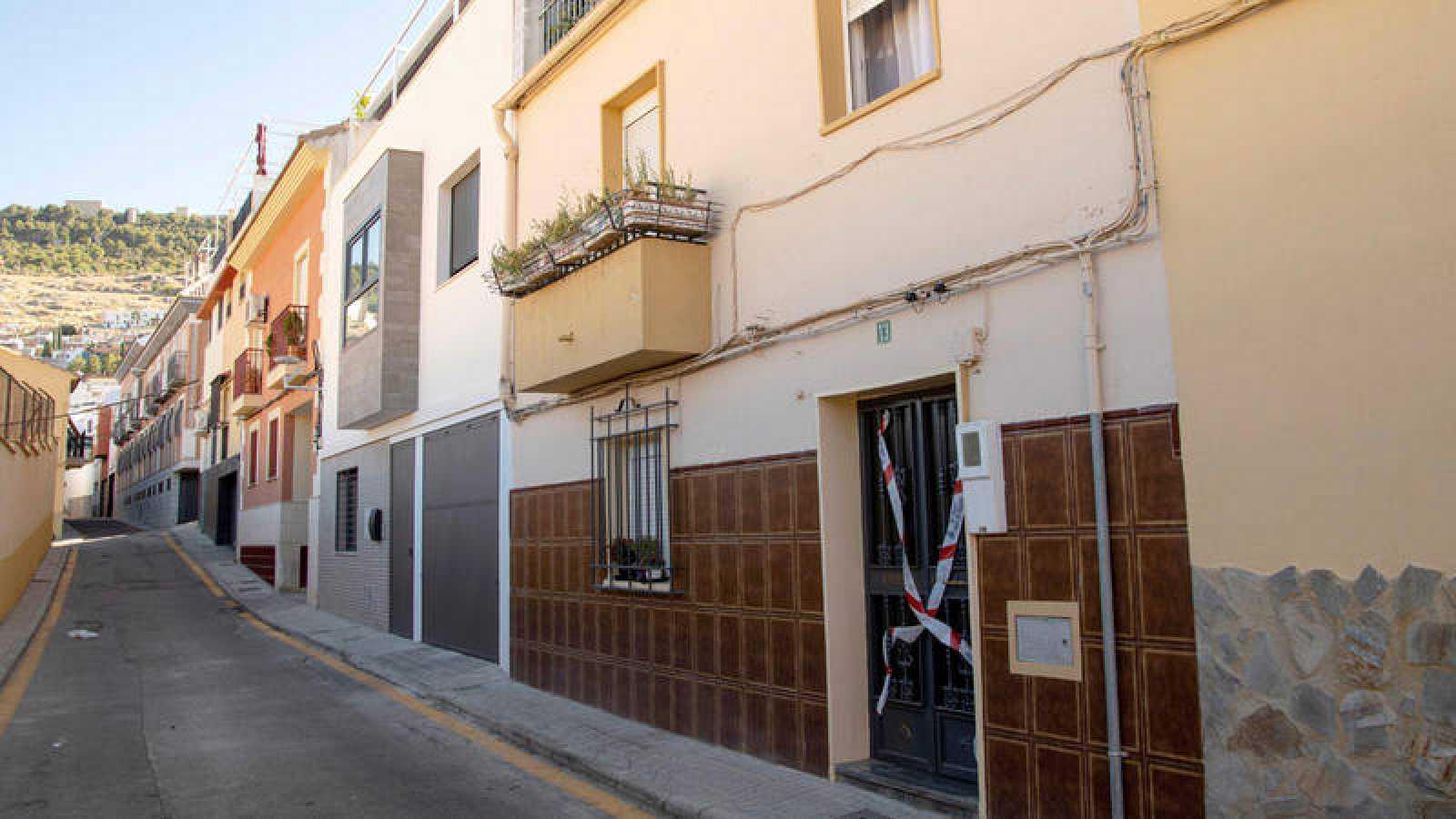Número 13 de la calle Francisco Ayala García Duarte, en Jaén, donde una mujer de 73 años ha sido asesinada presuntamente por su marido