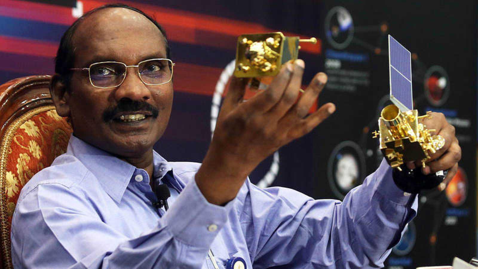 El presidente de la agencia espacial india (ISRO),Sivan K, explica la misiónChandrayaan-2.