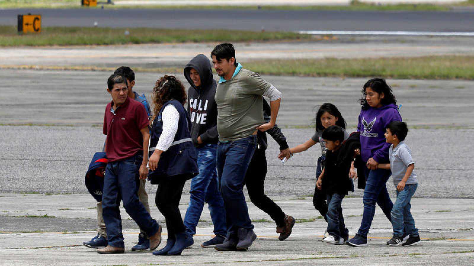 Familias de emigrantes guatemaltecos devueltos a su país desde EE.UU.REUTERS/Luis Echeverria