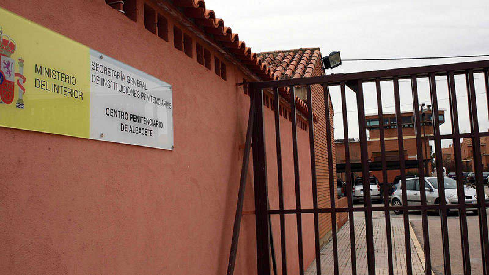 Exterior de la cárcel de La Torrecica, en Albacete, donde se encuentra el matrimonio de Caudete (Albacete) acusado de la muerte de sus dos bebés. Efe/Manu