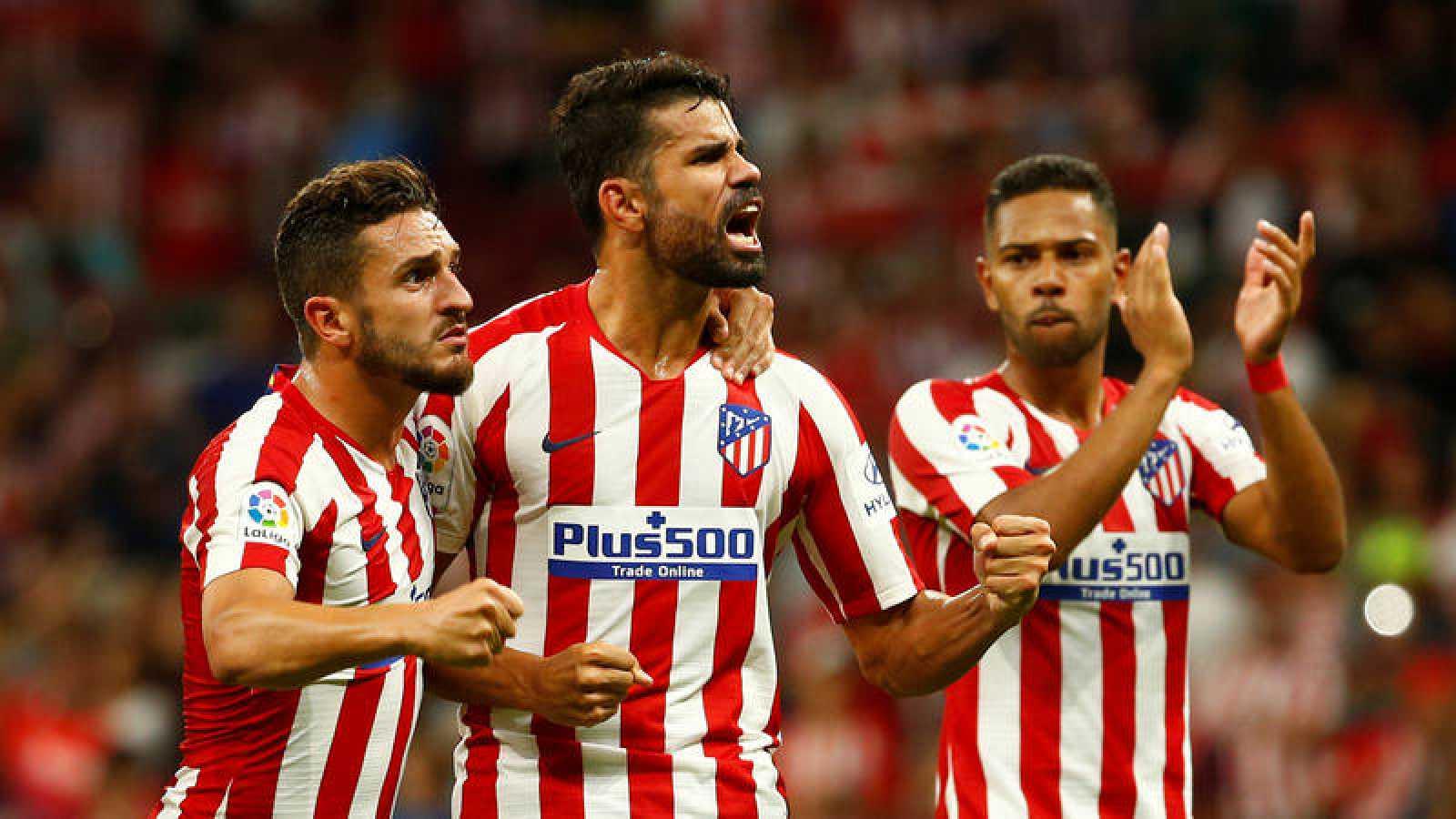 El Atlético aprovecha el mal inicio de Liga de Barça y Madrid para coger ventaja al frente de la tabla