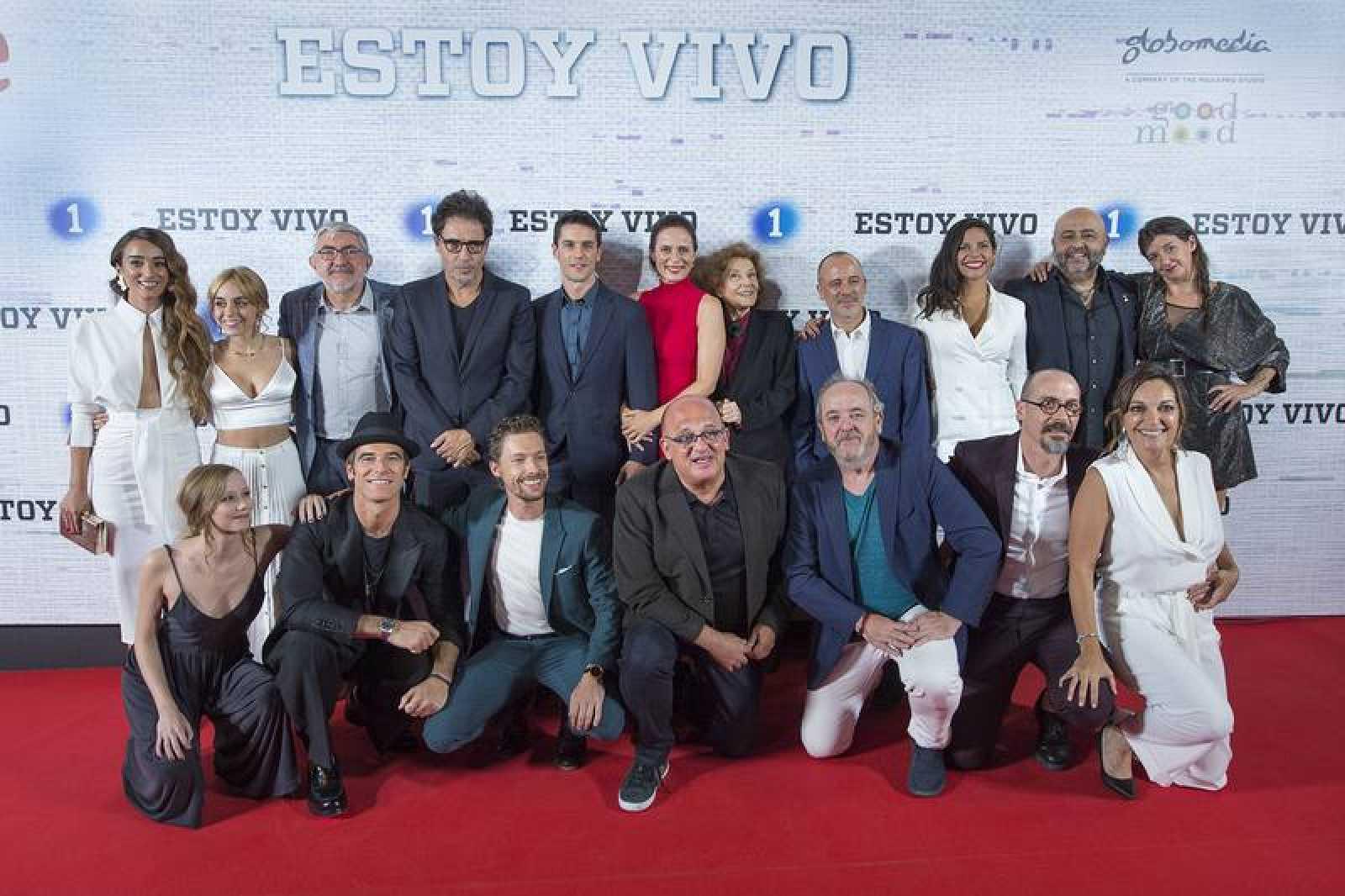 Foto de familia del estreno de 'Estoy vivo 3', ayer en Madrid