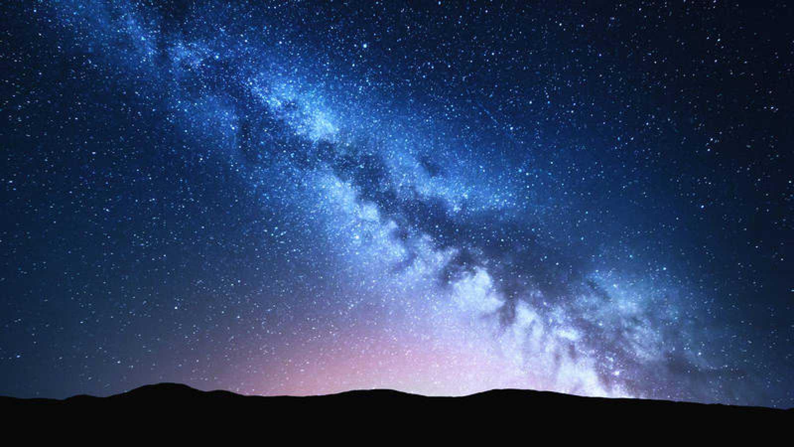Hallan una gran estructura cósmica, como un reloj de arena, en la Vía Láctea