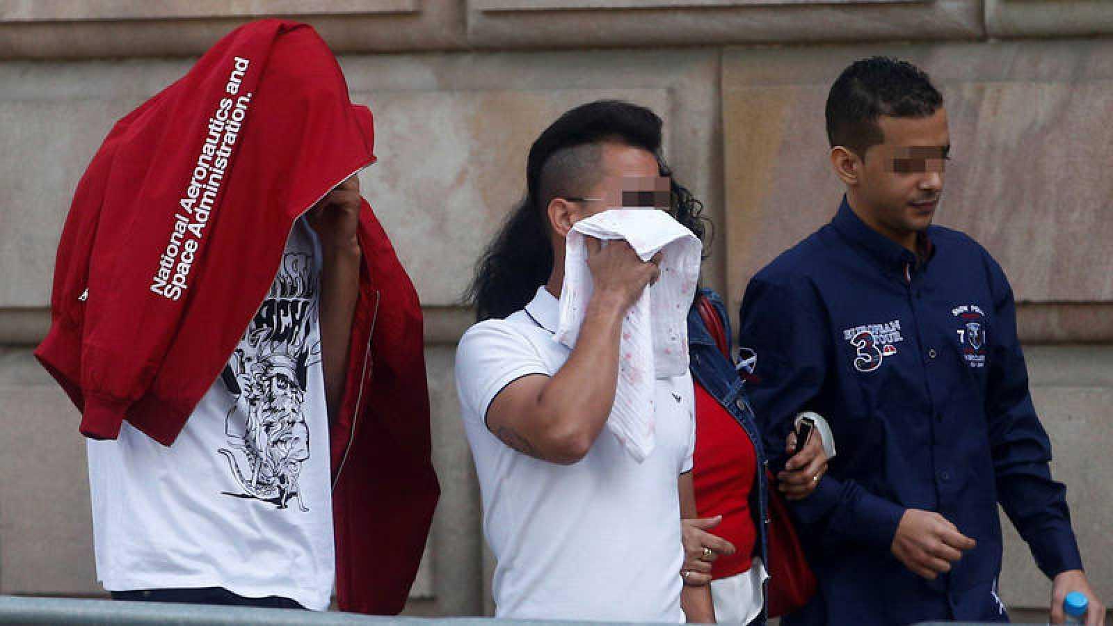 Tres de los siete acusados por la violación múltiple a una menor en Manresa