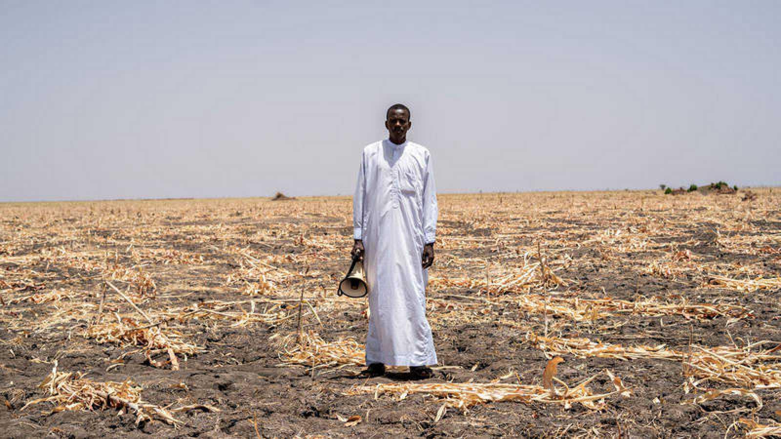 Hassan Brahim, uno de los trabajadores de sensibilización en la campaña de vacunación contra el sarampión en Chad