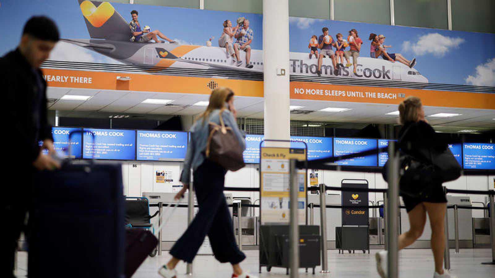 Mostrador de Thomas Cook en el aeropuerto de Gatwick