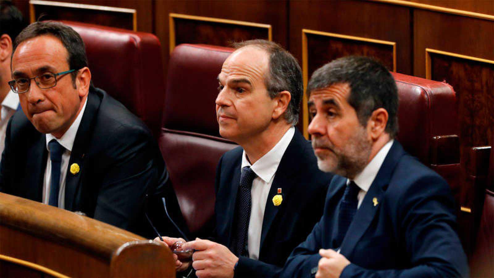 Josep Rull, Jordi Sànchez (d) y Jordi Turull (c) en el Congreso de los Diputados en una imagen de archivo