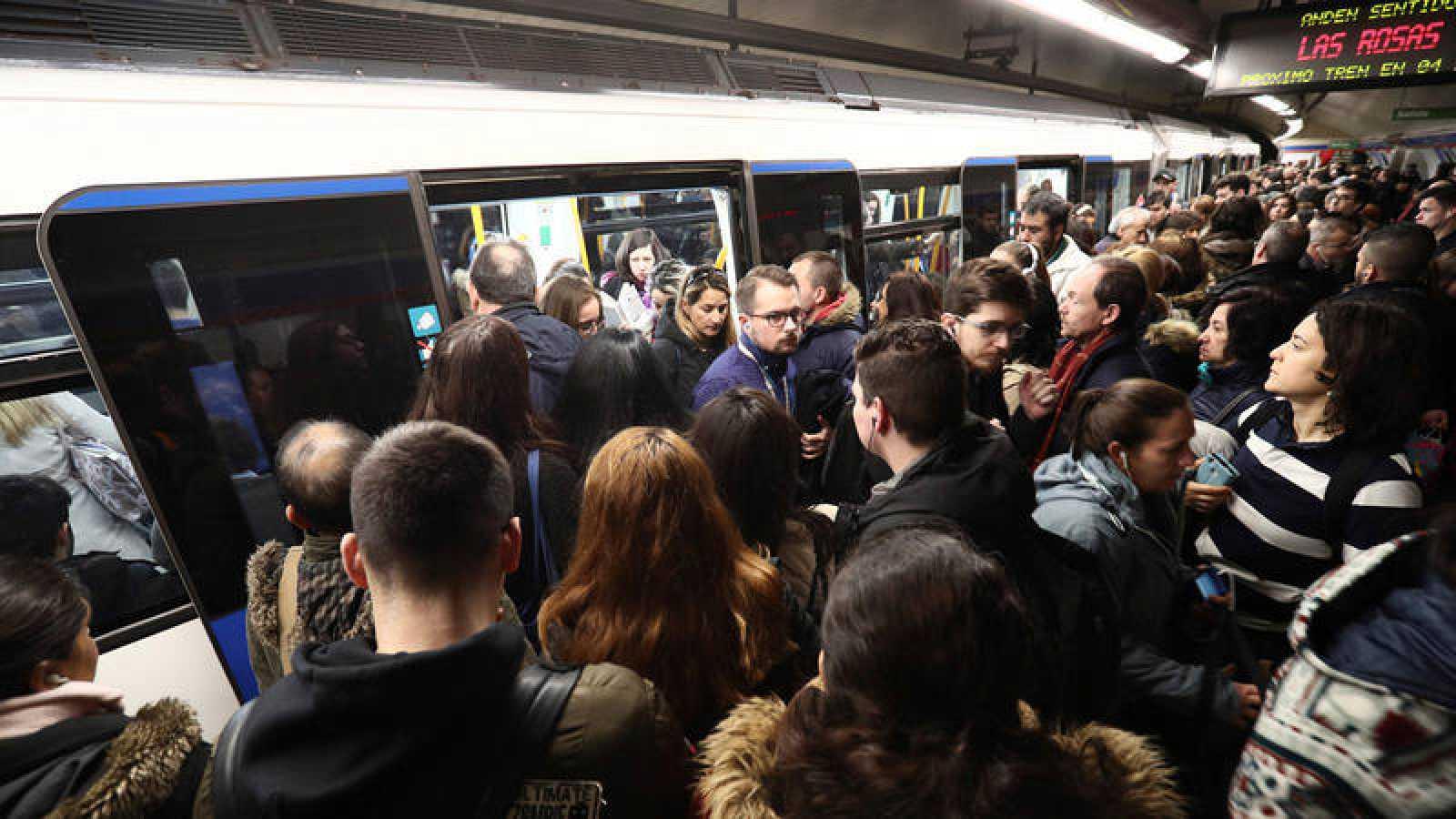 El Sindicato de Maquinistas de Metro de Madrid inicia hoy una huelga que afecta a todas las líneas