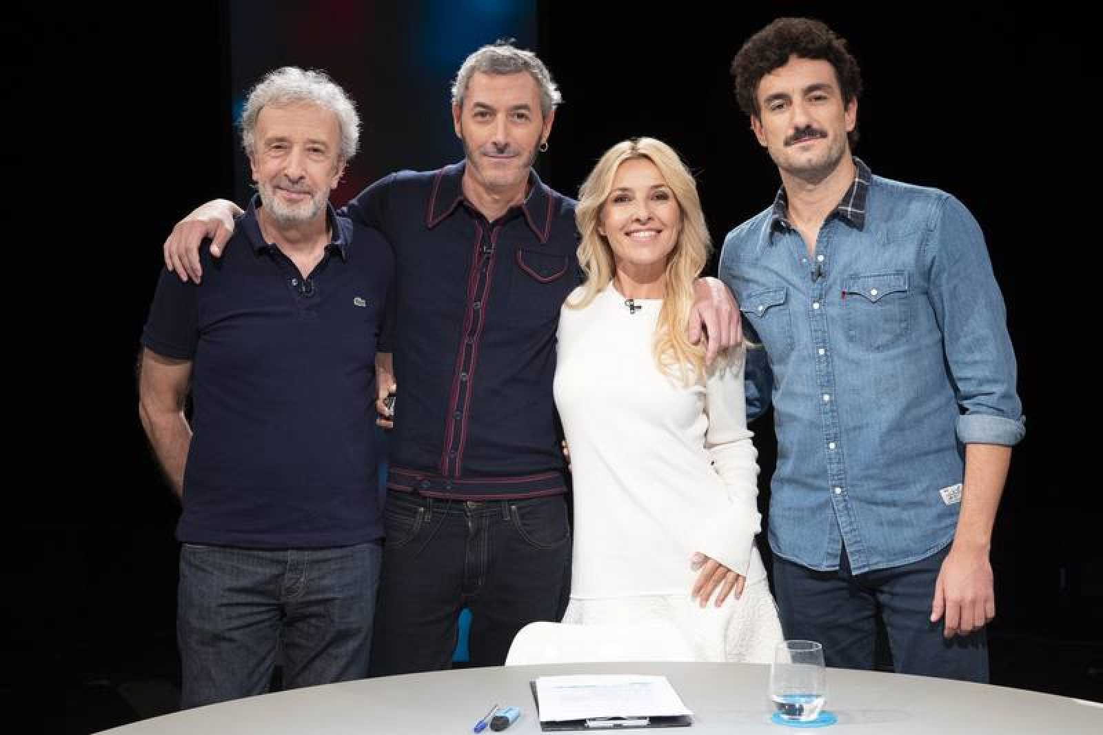 Cayetana Guillén Cuervo con Igor Legarreta,Miki Esparbé y Eduardo Blanco