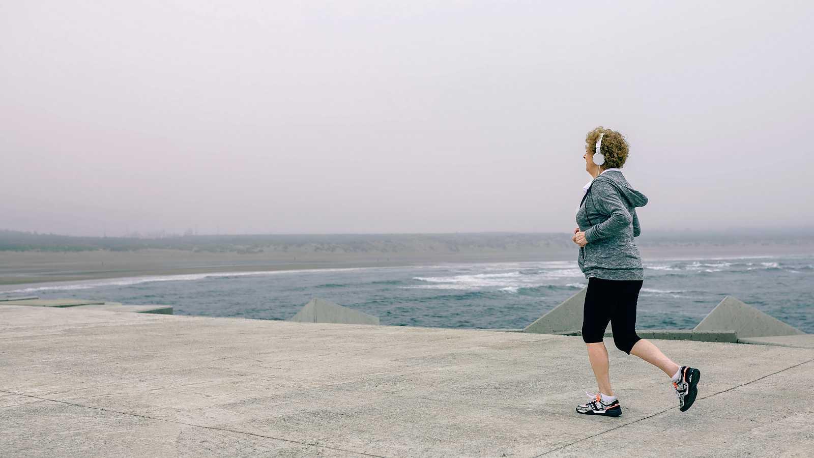 Hacer ejercicio es muy importante para prevenir el cáncer de mama, una enfermedad que afectará a una de cada ocho mujeres durante su vida.