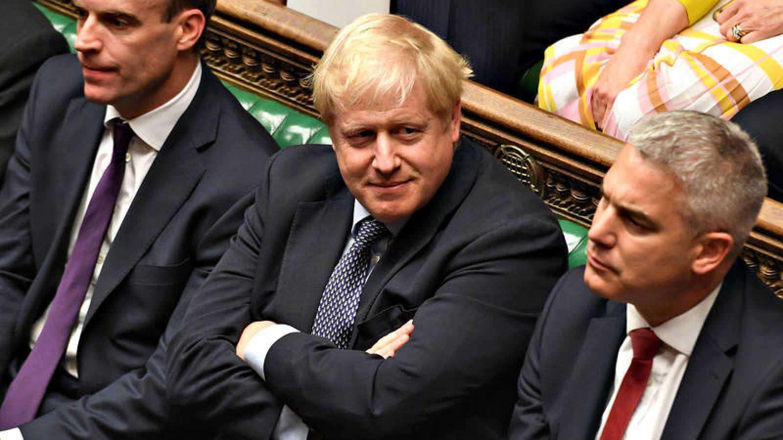 El primer ministro británico, Boris Johnson, en la sesión extraordinaria del Parlamento de este sábado