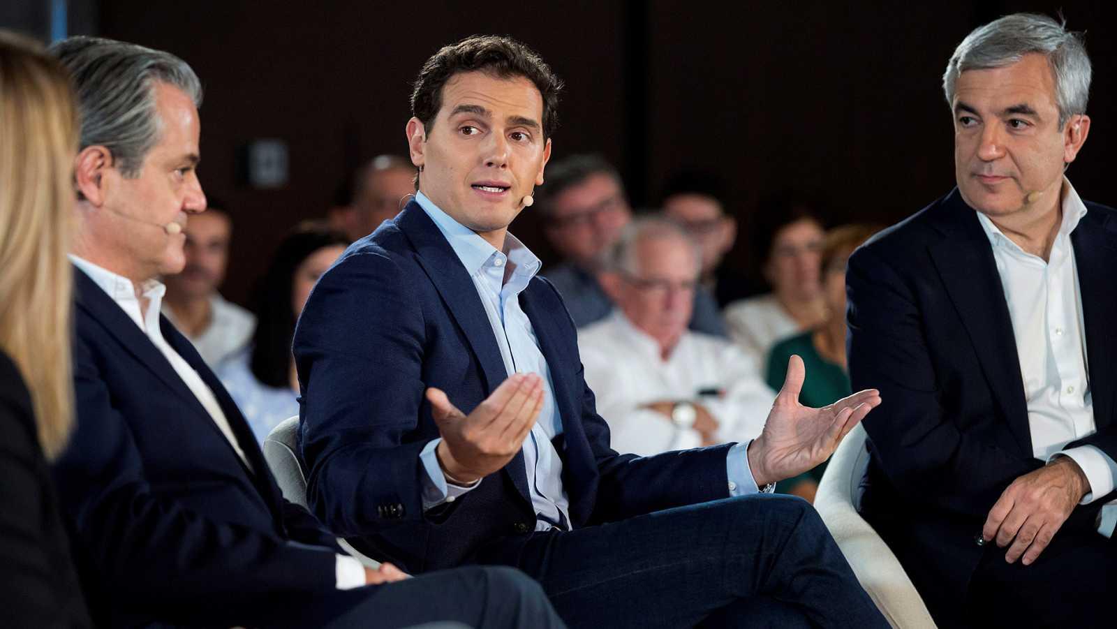 El presidente de Ciudadanos, Albert Rivera, en un encuentro con empresarios durante la campaña.