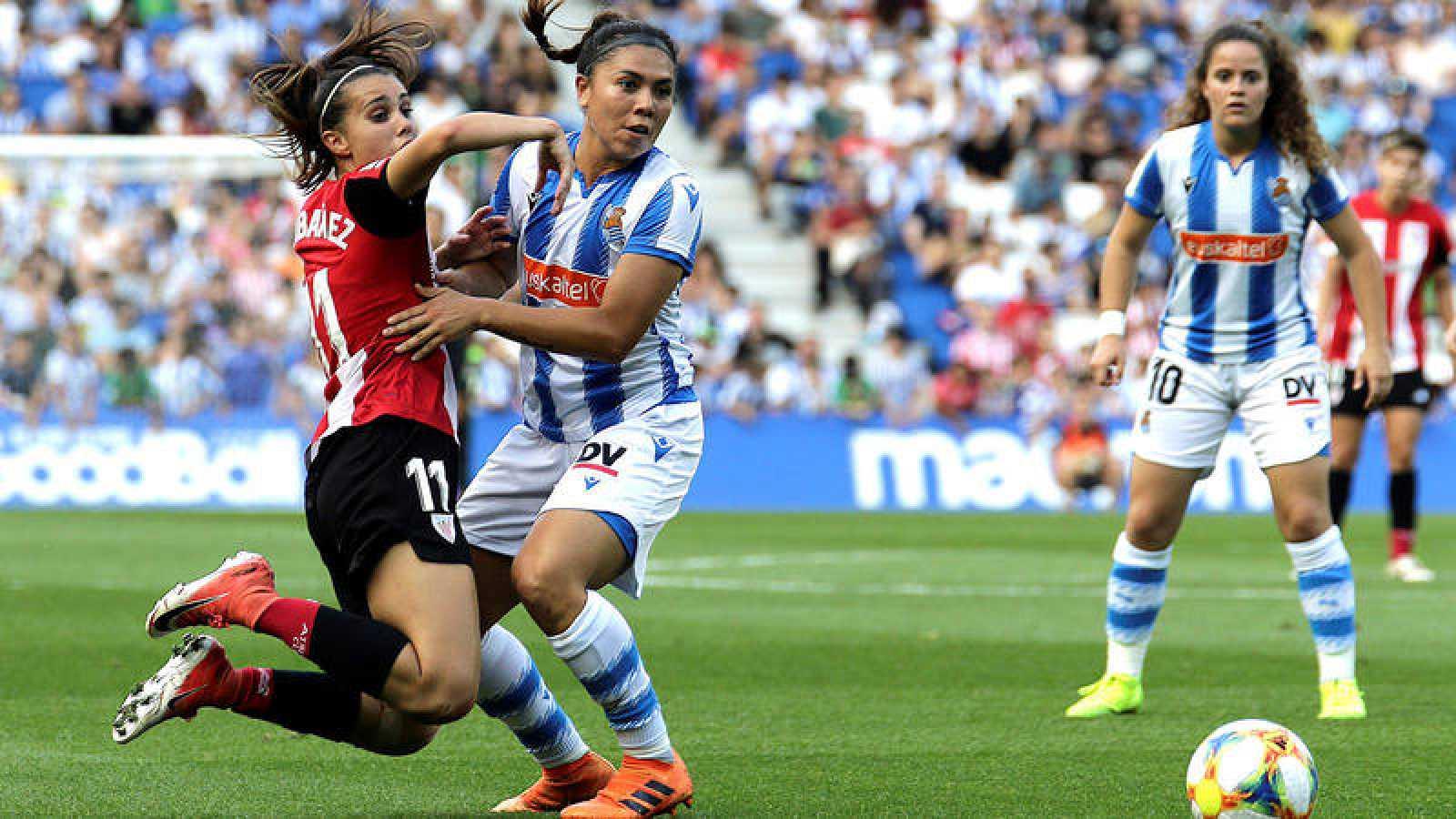 Imagen de un partido de Liga entre Real Sociedad y Ahtletic Club.
