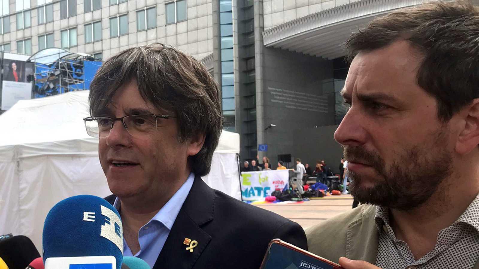 Carles Puigdemont junto a Toni Comín