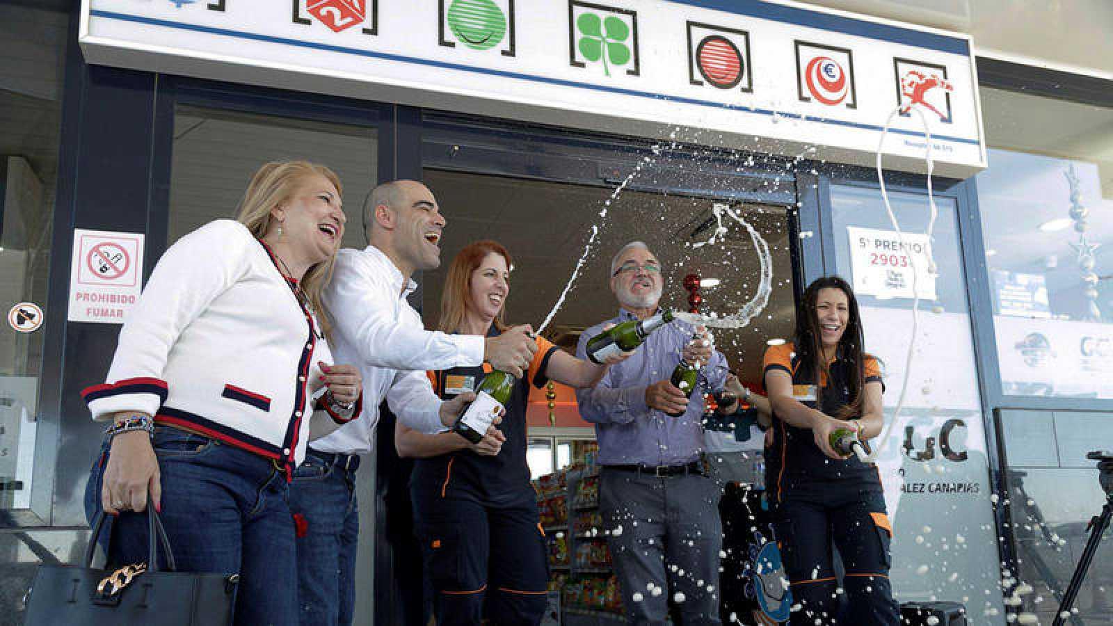 La gasolinera de la suerte de Granadilla de Abona