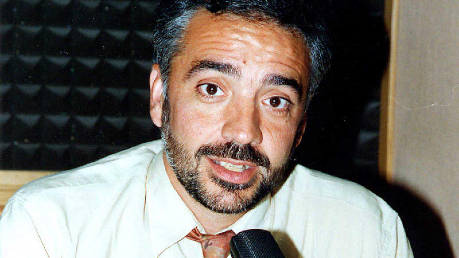 Magín Revillo en un estudio de RNE en una imagen de archivo