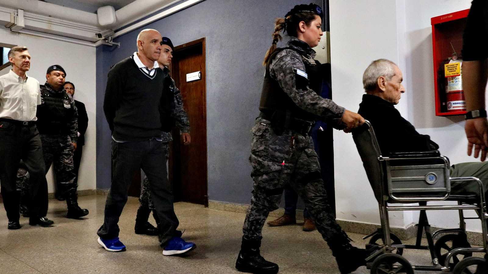 Resultado de imagen para Dos curas sentenciados a más de 40 años de prisión por abuso sexual a niños con discapacidad auditiva en Argentina