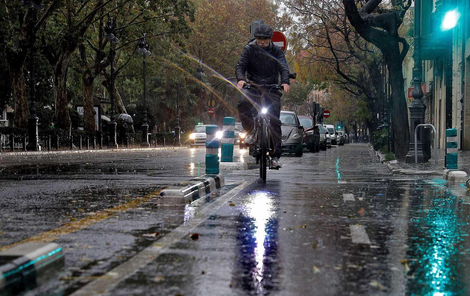 Alerta naranja en Valencia y Murcia por fuertes lluvias