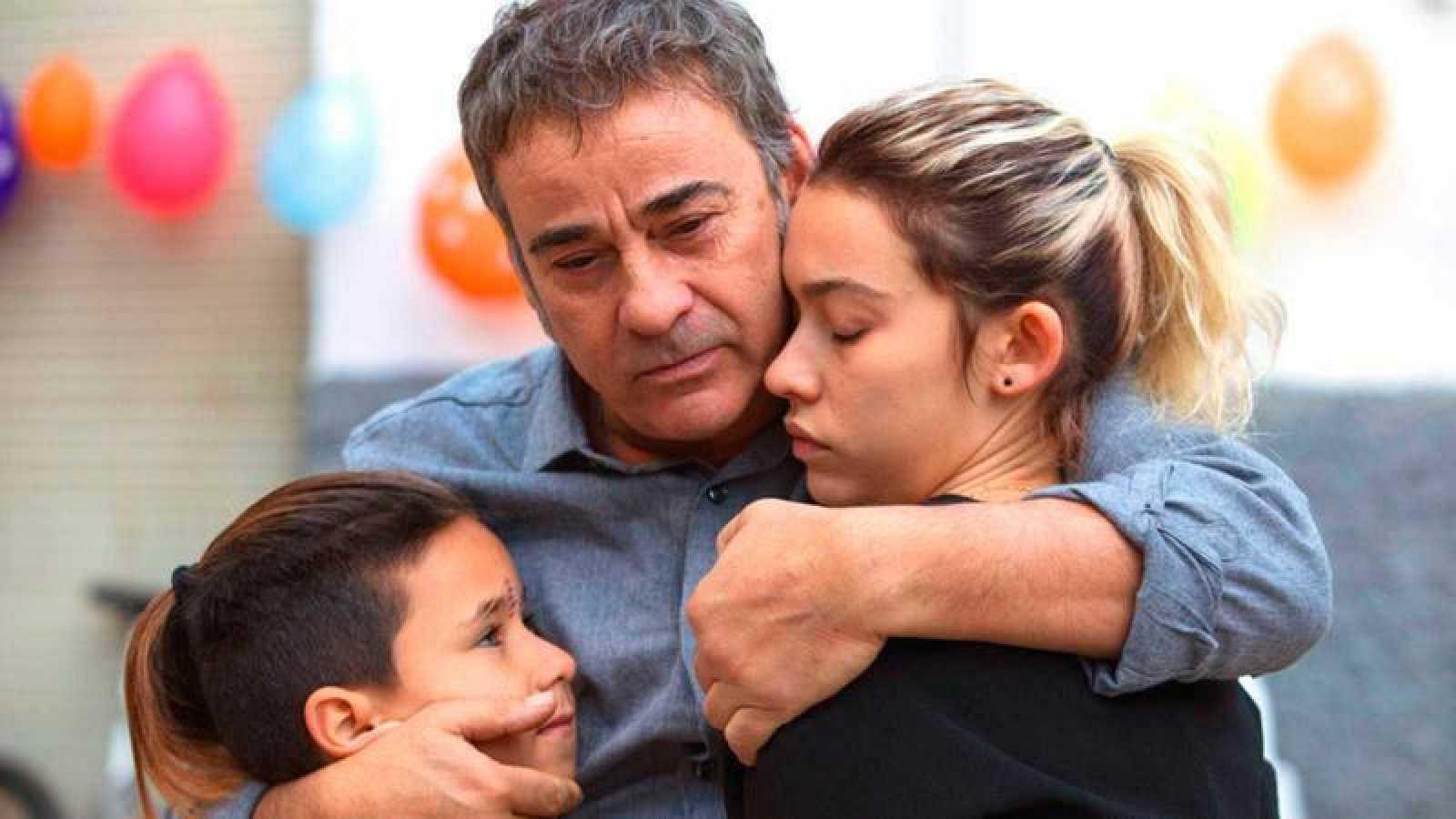 Eduard Fernández y Greta Fernández protagonizan 'La hija de un ladrón'