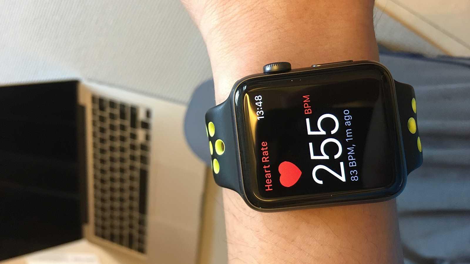 El electrocardiograma completo funciona con los Apple Watch de las series 4 y 5.