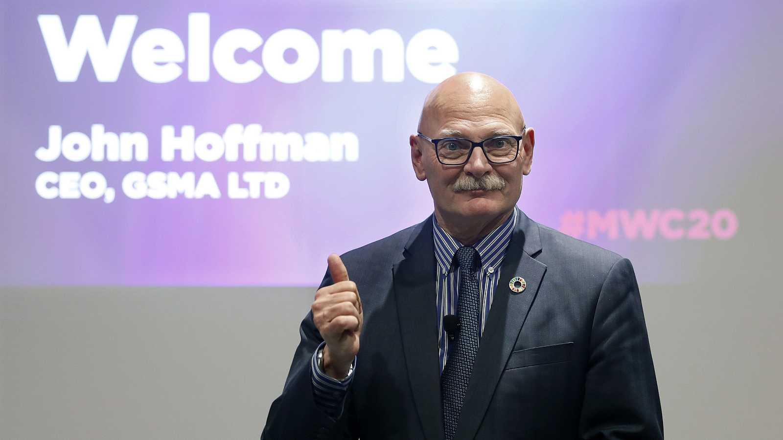 El consejero delegado de la organizadora del Mobile World Congress (MWC), John Hoffman, durante la presentación de la nueva edición del Congreso.