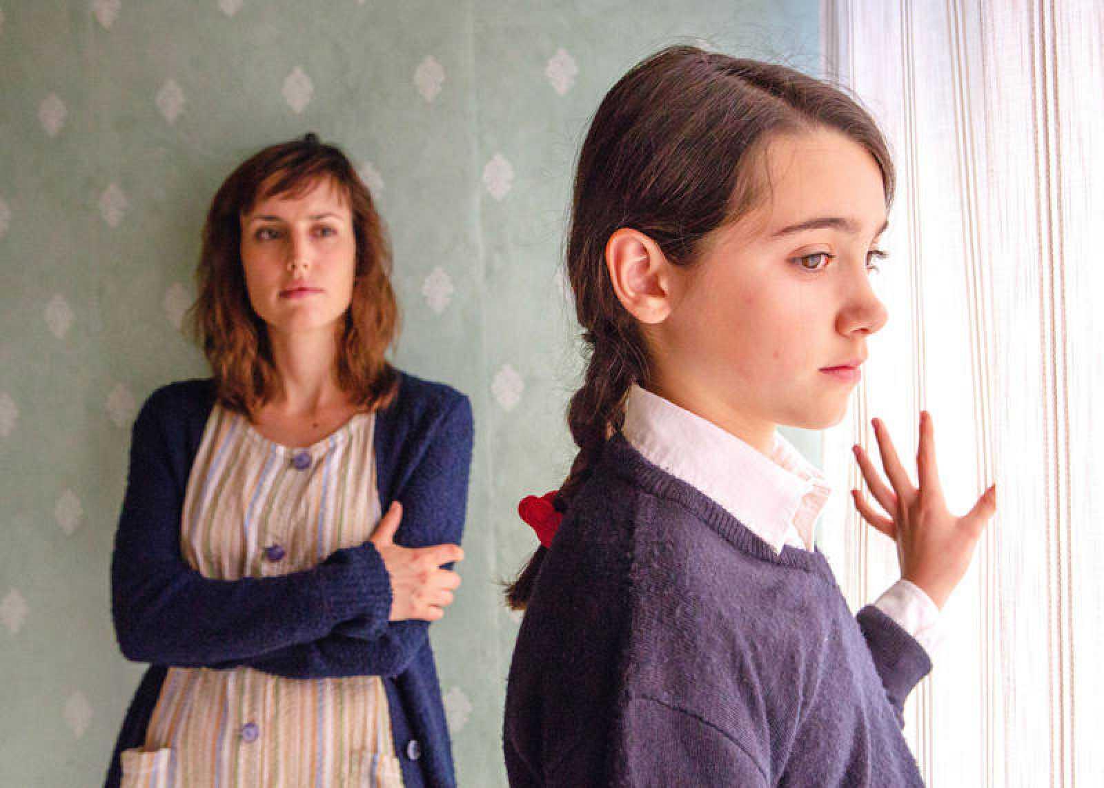 Natalia de Molina y Andrea Fandos en una imagen de 'Las niñas'