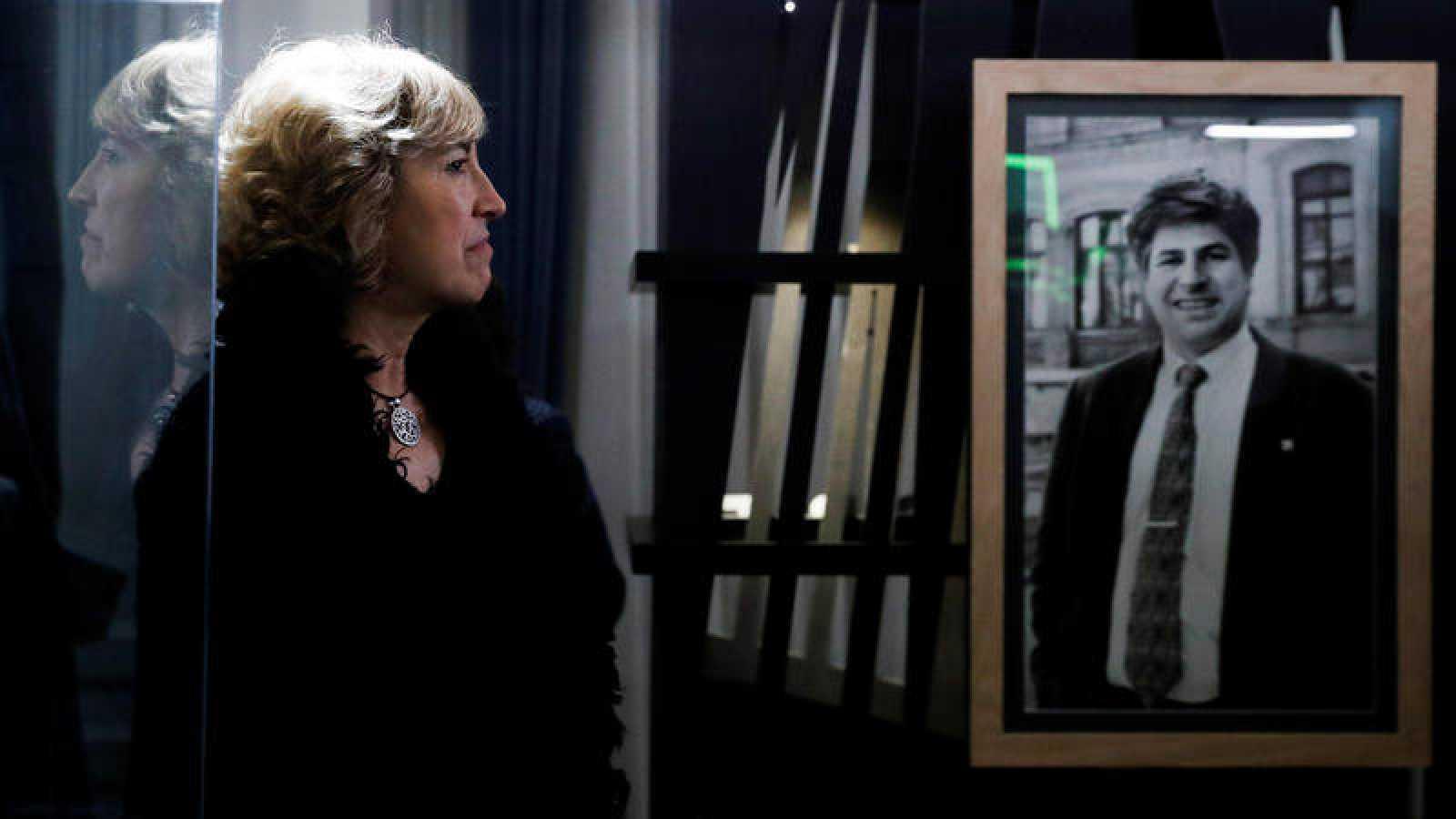 """Ana Iríbar, viuda del expresidente del PP de Guipúzcoa, en la presentación de la exposición """"Gregorio Ordóñez. La vida posible"""""""
