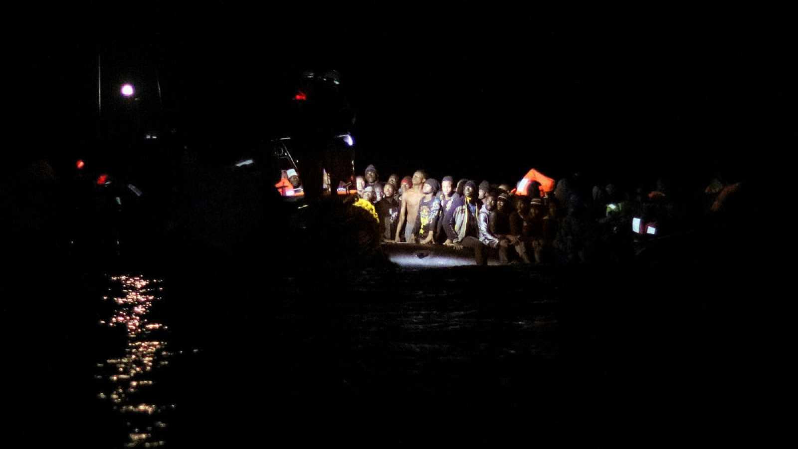 El barco de rescate 'Alan Kurdi' ha salvado también a 78 inmigrantes en dos embarcaciones a la deriva frente a las costas de Libia.