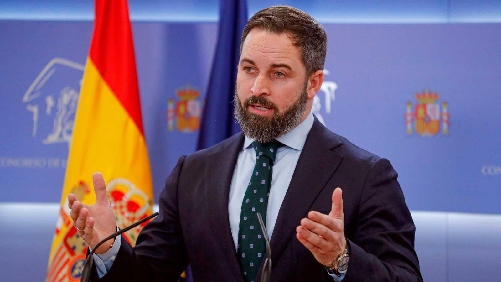 El presidente de Vox, Santiago Abascal, durante una rueda de prensa en el Congreso