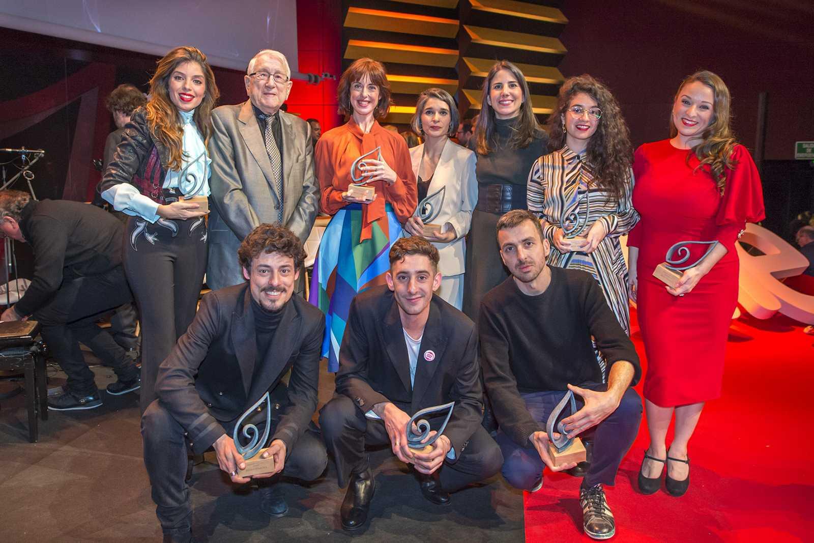 Foto de familia de los premiados, tras la gala de entrega