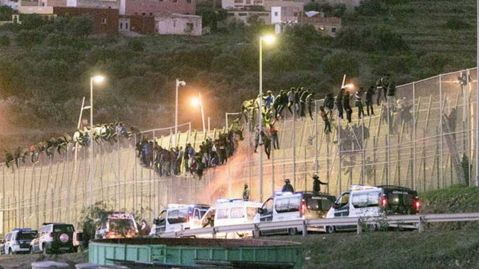 Salto a la valla de Melilla en octubre de 2014