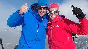 NoticiaEl actor Edu Soto sube con Edurne Pasaban a la cumbre del Montardo, una de las más emblemáticas del Valle de Arán