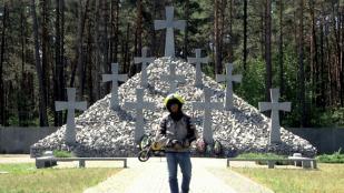 VideoPolesia, un kalashnikov y la frontera rusa