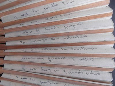 Detalle de la carta original escrita en un abanico