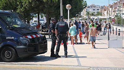 Dispositivo policial en Cambrils el día después del atentado.