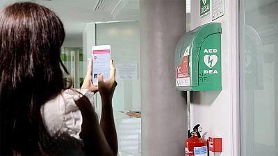 Los usuarios pueden compartir, gracias a la geolocalización, la ubicación de los desfibriladores tanto en espacios públicos como privados.