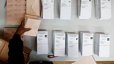 Papeletas en un colegio electoral en las elecciones generales del 28 de abril de 2019.