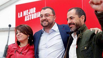 El candidato del PSOE a la Presidencia del Principado, Adrián Barbón