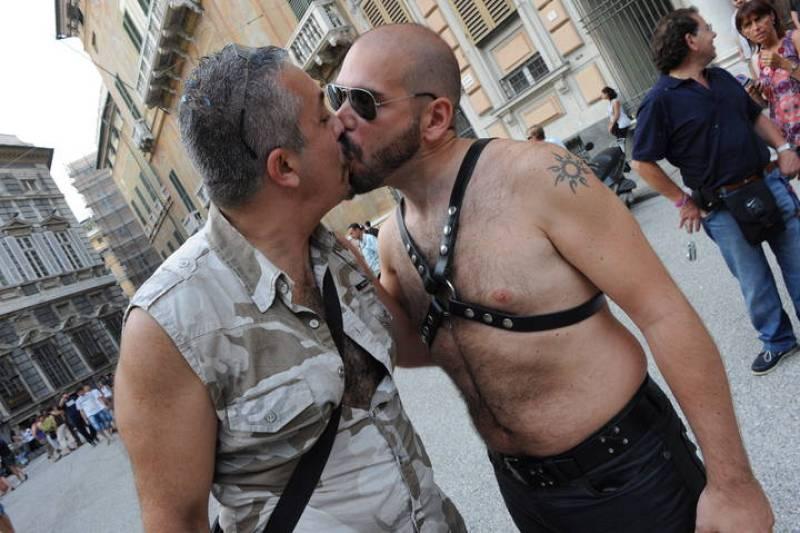 DESFILE DEL ORGULLO GAY EN GENOVA