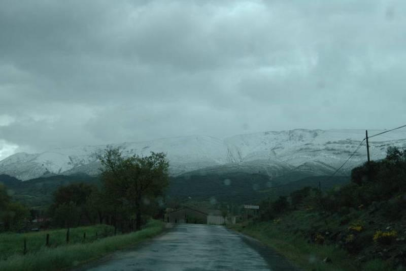 La nieve cubre el paisaje que se divisa desde Bisjueces (Burgos).
