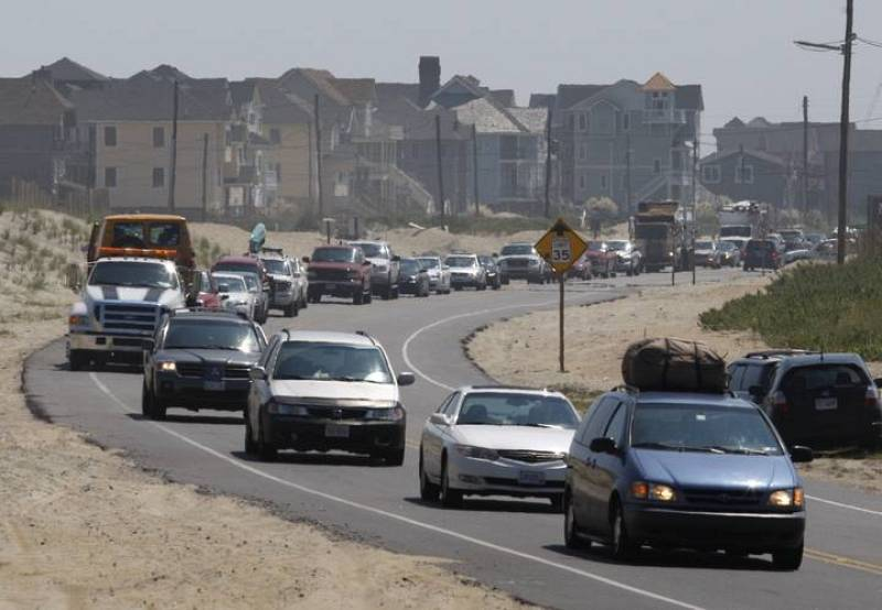 Motorists head north along Route 12 as they evacuate from Hatteras Island, North Carolina as Hurricane Earl approaches