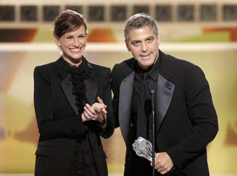 Julia Roberts y George Clooney en un homenaje a éste en 2006