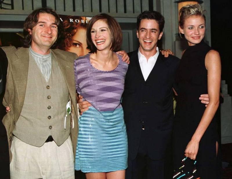 Julia Roberts con el reparto de 'La boda de mi mejor amigo' (1997)