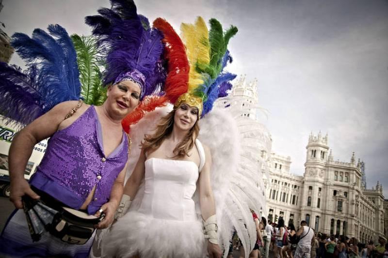 MILES DE PERSONAS Y 35 CARROZAS COLAPSARÁN MADRID EN LA MARCHA DEL ORGULLO